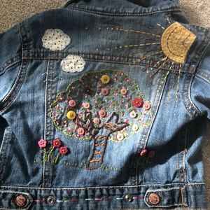 Gap 3t embroidered jean jacket